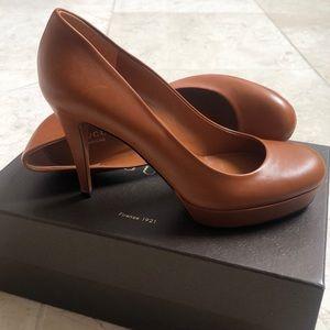 Gucci Womens Saddle Platform Heels 👠